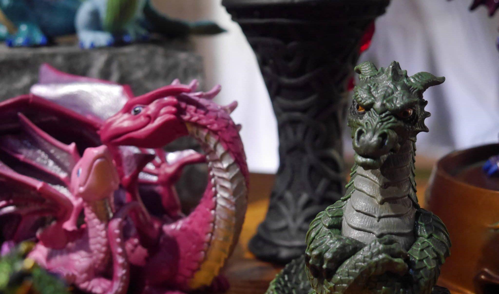 Jouet dragon, boutique du parc Fantassia